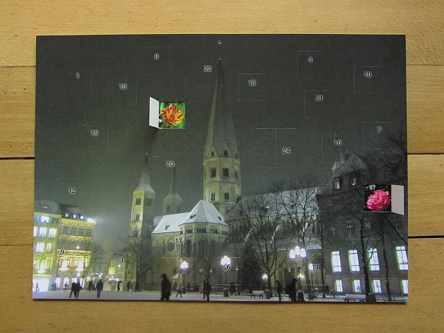 Adventskalender Bonner Münster DIN A3 mit zwei geöffnetet Türchen